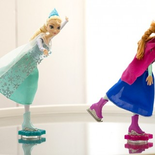 Ice Skating Anna and Elsa Dolls